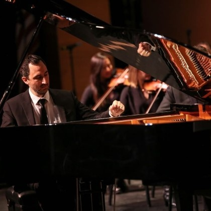 Renowned pianist Dr. Alexander Wasserman