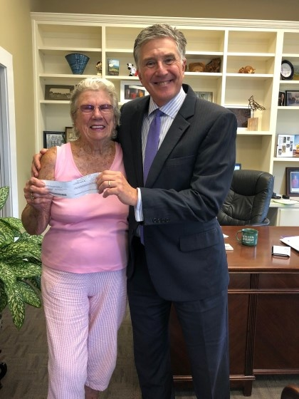 Hiawassee resident Ethel Winters stopped by Young Harris College to present President Drew L. Van Horn, Ph.D. with a $1,000 donation to support local students at the College.