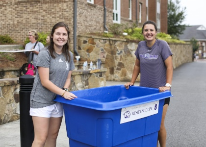 YHC students at a past Move-in Day